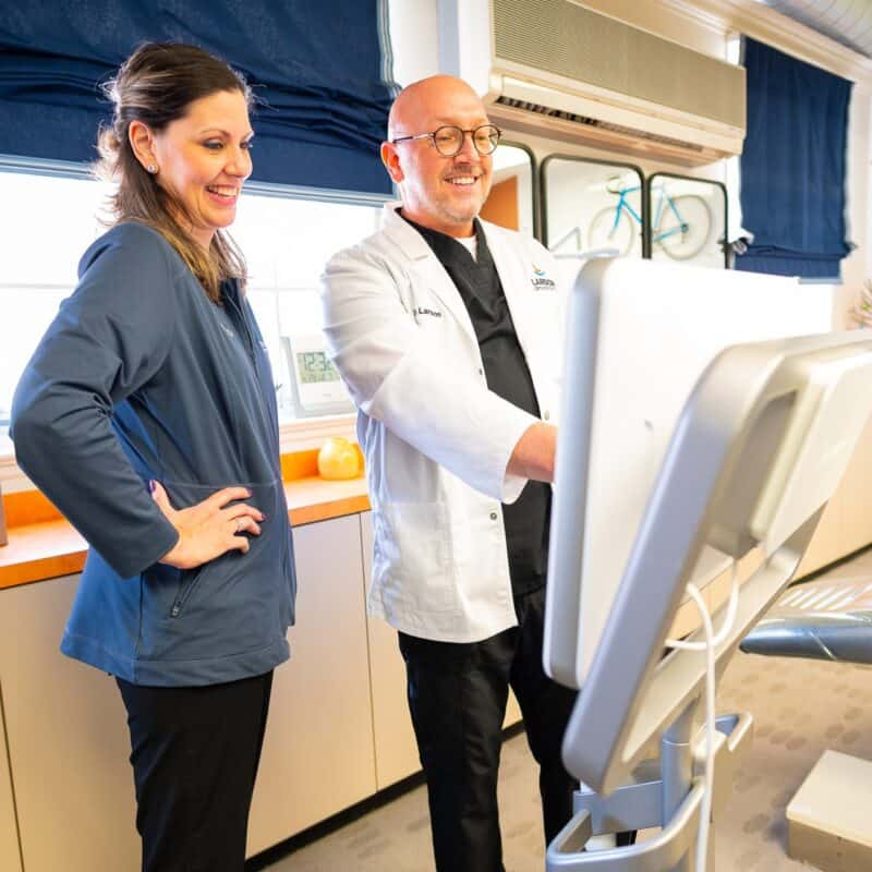 Doctor Candids Larson Orthodontics Alexandria Virginia 2021 25 800x800 - The Larson Team