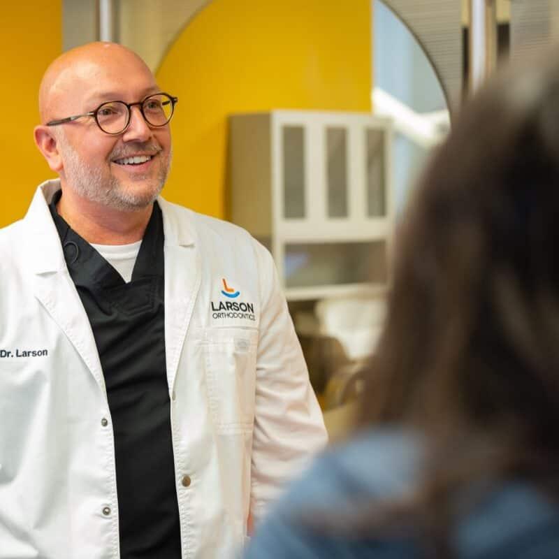Doctor Candids Larson Orthodontics Alexandria Virginia 2021 6 800x800 - Meet Orthodontist Dr. Larson