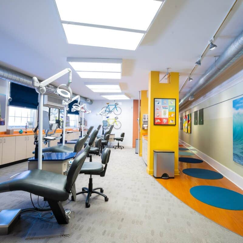 Office Interior Larson Orthodontics Alexandria Virginia 2021 36 800x800 - Our Orthodontic Office in Alexandria Virginia