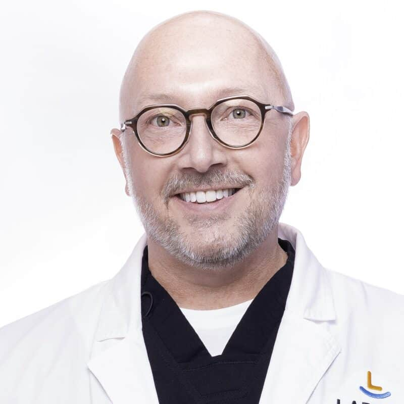 post Doctor Portrait Larson Orthodontics Alexandria Virginia 2021 10 10x10 800x800 - Meet Orthodontist Dr. Larson