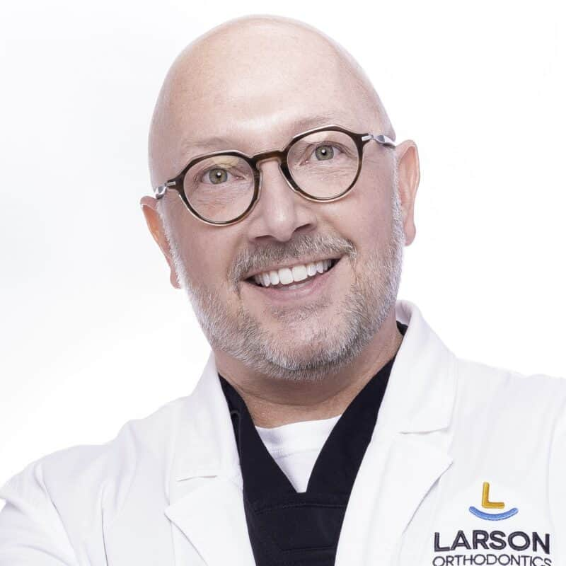 post Doctor Portrait Larson Orthodontics Alexandria Virginia 2021 12 10x10 800x800 - Meet Orthodontist Dr. Larson